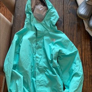 Girls the north face green rain jacket sz xl